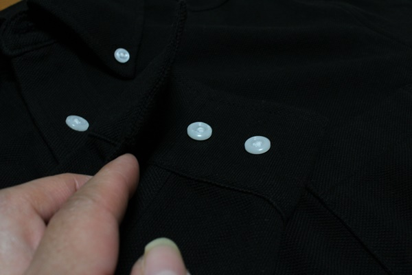 綿100%ボタンダウンシャツ 袖口