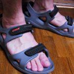 水辺でも陸でも快適 サイズも調整しやすいクロックスの夏サンダル Men's Swiftwater River Sandals(スウィフトウォーター リバー サンダル メン)