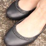 歩きやすい、合わせやすい クロックスのフラットシューズ Lina Diamante Flatのレビュー(口コミ)おでかけ編